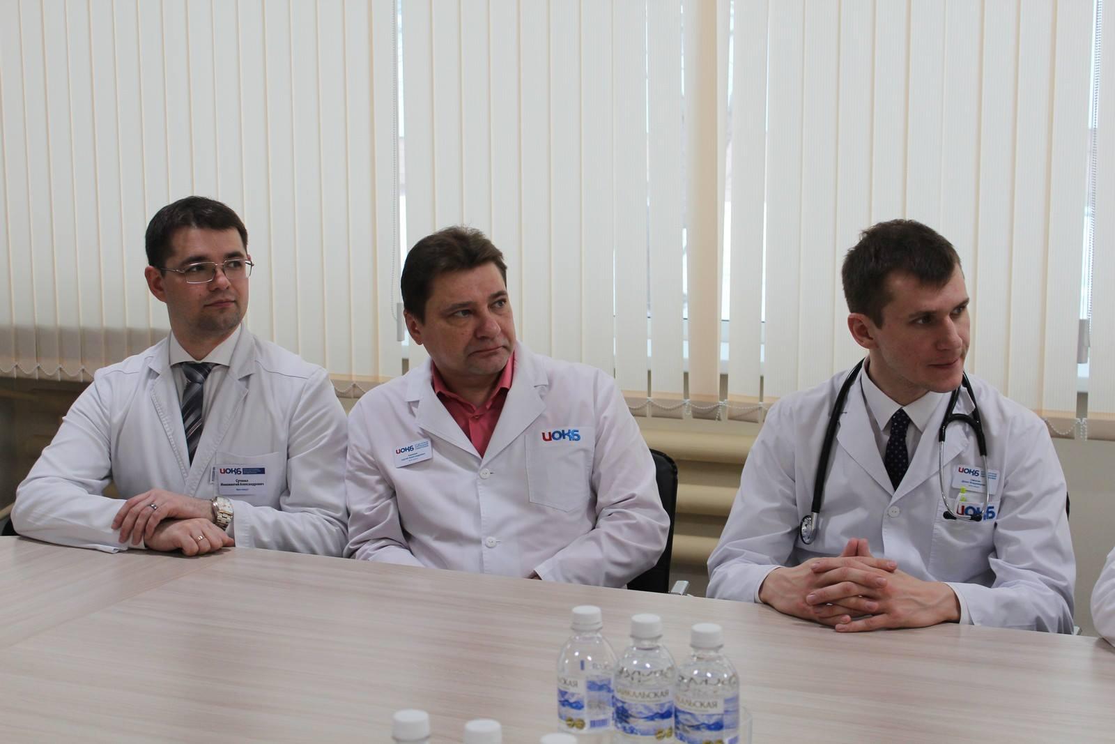 В Приангарье в ГБУЗ «Иркутская ордена «Знак Почета» областная клиническая больница» впервые прошла операция по пересадке печени. Она была выполнена с участием специалистов из Новосибирской области – заместителя главного врача по хирургической помощи …