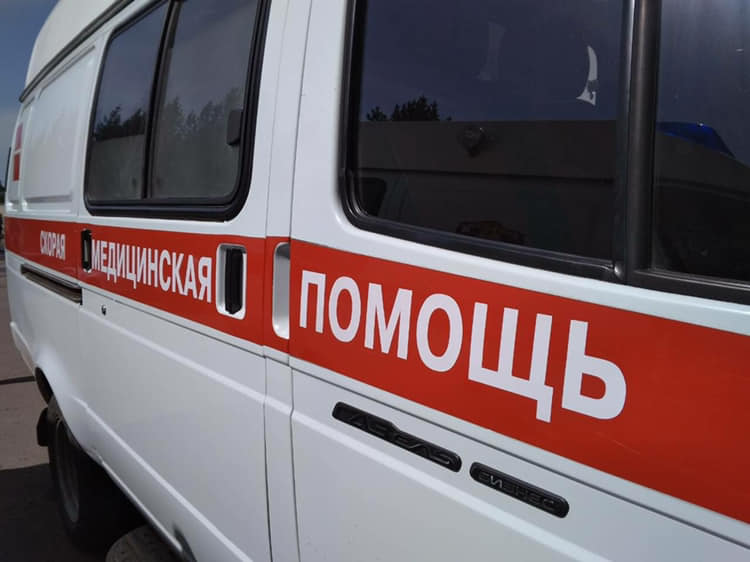 Вечером 8 декабря поступило сообщение о ДТП, произошедшем в городе Братске в результате столкновения служебного автобуса с бетонным ограждением.  В автобусе находились 9 человек. Участники происшествия были доставлены в Братскую городскую больницу № …